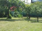 il giardino per un pò di relax o per giocare con i figli