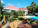 Jardin/deck/piscine Mangoplaya.