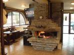 Pine Lodge Lounge Bar & Restaurant - Enjoy the open fire!