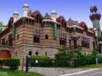 El Capricho de Gaudi /Comillas