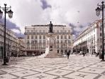 Camões square is 3 min away and is a good reference point! Here you have metro, tram 28 and bus 758
