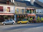 Local Village - Moulins Engilbert with bars and cafes