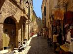 Wander through the streets of the old town...