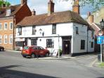 The Nelson pub and restaurant in historic Castle Street Farnham
