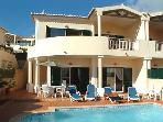 Beautiful Villa with Private Pool, 5 mins walk to restaurants,10 mins walk to the beach