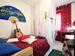 Red-room, camera da letto-2