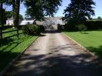 Avenue / Entrance to Ardsollus