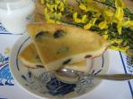 Au petit-déjeuner : far breton aux pruneaux