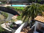 Vista desde la terraza de la piscina municipal abierta en verano