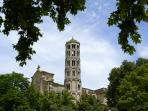 The 11th Century Tour Fenestralle - 2 mins walk
