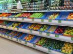 The supermarket in nearby Coral Bayis well-stocked and has a large selection of fruit and veg