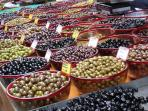 Don't miss a visit to one of our neighborhood farmer's markets