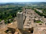 less than 10 minutes' drive from San Gimignano, and 25 minutes from Volterra...