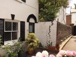 Brighthelm Cottage - Central Brighton Holiday Home