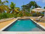 Nice quiet and private villa very close to Orient beach and the shops  & restaurants