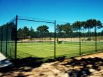 4 shared tennis courts