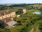 The property wth the fomrer hayloft and the main house: breathtaking settind, strategic location