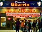 Famosa Pizzeria Guerrin en Avenida Corrientes 1300