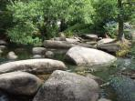 Have fun on the stepping stones on the River Aven