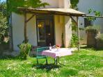 Silos - veranda and garden