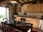 Have lunch in the fully equiped kitchen.