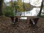 Salon de télé au bord de l'étang de Beaulieu