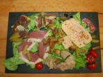 Entrée avec foie gras dans le menu table d'hote