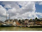 Auray Harbour and Restaurants