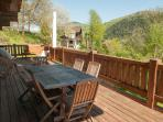 Terrasse avec barbecue et transats... large terrage with BBQ And lounge chairs