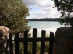 cancello del giardino sulla spiaggia