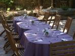 Table d'hôtes en extérieur