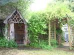 Garden to rear of patio