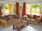 Villa Amarilla met royale zithoek