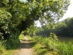Thames path heading for nearby Cookham - ideal for walkers and runners