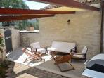 Relax zone near the swimming pool - Villa Zonti