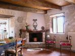 Apartment La Mangiatoia, fireplace