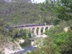 Le petit train des Cévennes: départ Anduze vers Saint Jean du Gard,visite du village, retour ANDUZ