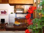 cucina-soggiorno della casetta 'limone'