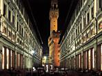 The UFFIZI Gallery (300 meters from the apartment)