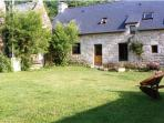 Mulberry Cottage with shared heated pool