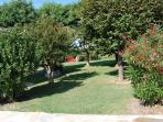 2000m2 flat garden with large trampolyne