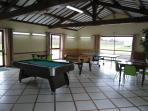 La salle de jeux annexe, usage à partager avec l'autre maison.