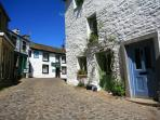 2 real ale pubs & village store within 3 minutes walk