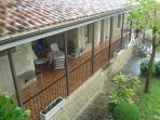 Vistas hacia el porche desde el balcón de la habitación principal