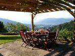 Terrasse pour table d'hôte le soir