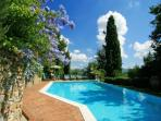 Pretty Tuscan cottage surrounded by stunning hills with private pool and terrace, sleeps up to 5