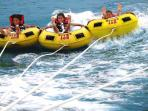 Activité nautique, jet ski, bouées tractées, parachute ascensionnel