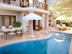 Private pool & dining terrace