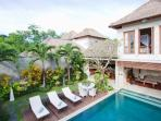 Private pool & Garden view