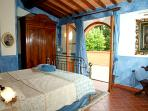 Villa Blue Room: King Double bed with direct access to terrace, celestial